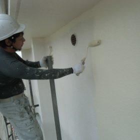 外壁塗装、中塗り