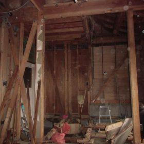 壁、床、天井の解体